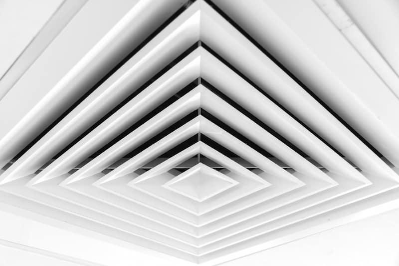 aire acondicionado de techo para espacios grandes