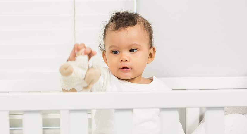 ¿Puede mi bebé dormir con aire acondicionado?
